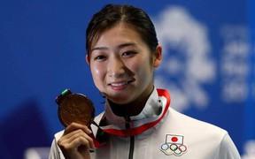 Người đẹp bơi lội Nhật Bản bị ung thư máu