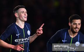 """Sao trẻ đẹp trai, sáng giá của nước Anh đưa Manchester City vào tứ kết cúp FA, chờ gặp """"cá mập"""" MU hoặc Chelsea"""