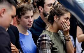 Quê nhà chìm dưới biển nước mắt trong ngày tiễn đưa Sala - cầu thủ xấu số thiệt mạng trên đường đến ra mắt đội bóng mới