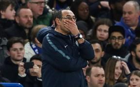 CĐV Chelsea quay lưng, chửi rủa lối chơi làm nên tên tuổi của HLV Sarri