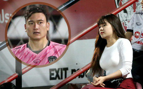 Bạn gái Văn Lâm thu hút trên khán đài Muangthong United