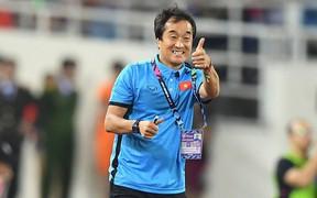 """""""Cánh tay phải"""" của ông Park Hang-seo trả lời phỏng vấn báo Hàn Quốc: """"Mỗi tuyển thủ Việt Nam cần tăng thêm vài cân"""""""