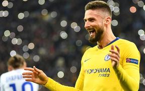 """""""Siêu chân gỗ"""" nổ tưng bừng, Chelsea vùi dập đối thủ 8-0 ở Europa League"""