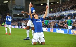Everton 2-0 Chelsea: Thua đau trên sân khách, The Bleus lỡ cơ hội vượt mặt Man United