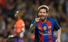 """Messi hay thật đấy nhưng cứ đến tháng 4 anh lại hóa """"người vô hình"""" ở Champions League"""