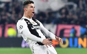 Ronaldo thoát án cấm thi đấu, chỉ bị phạt tiền sau hành động ăn mừng phản cảm để trả đũa HLV của đội bạn