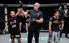 Tay đấm người Indonesia khẳng định cho Bi Nguyễn nếm trái đắng trong ngày ra mắt giải MMA lớn nhất châu Á