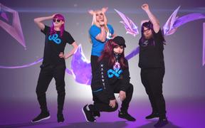 Không được tham dự MSI 2019, dàn sao Cloud 9 rủ nhau cosplay giả gái