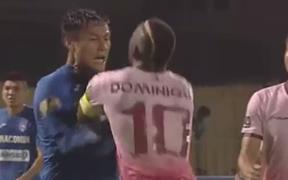 Cầu thủ Sài Gòn FC bất bình vì Mạc Hồng Quân không phải nhận thẻ dù gây sự trước