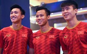 Duy Mạnh, Văn Hậu bảnh bao dự sự kiện của đội tuyển Việt Nam tại Hà Nội