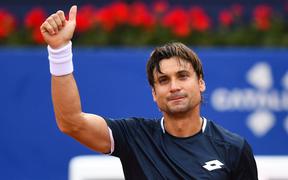 Thất bại trước Nadal, đối thủ rớm nước mắt xúc động chào từ biệt Barcelona Open