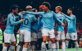 """Man United 0-2 Man City: Cho """"Quỷ đỏ"""" nếm trái đắng ngay tại sào huyệt Old Trafford, Man City tiến gần đến ngôi vương tại Ngoại hạng Anh"""