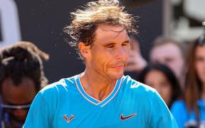 """Federer bất ngờ rút lui, """"nhường"""" Nadal chạm trán hot boy quần vợt ở bán kết Rome Masters"""