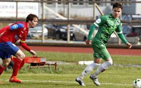 Cầu thủ Việt kiều Alexander Đặng ghi điểm với thầy Park khi lập cú đúp cho Nest Sotra