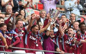 Thắng nghẹt thở ở trận cầu đắt giá nhất hành tinh, Aston Villa giành tấm vé độc đắc cuối cùng thăng hạng Ngoại hạng Anh