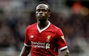 """Trước chung kết Champions League, sao Liverpool bất ngờ """"đá đểu"""" Manchester United"""