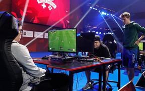 Bi hài: Giải đấu Esports kinh phí lên tới 13 tỉ VNĐ nhưng không có nổi... 10 người đến xem trực tiếp