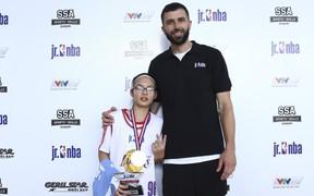 """Tài năng """"nhí"""" Linh Phùng vươn tới Jr.NBA thế giới"""