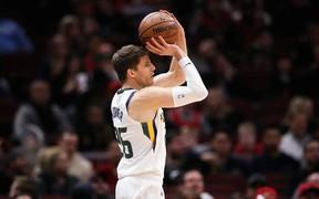 Đánh bại Lakers và 76ers, Bucks chính thức có được chữ ký của Kyle Korver