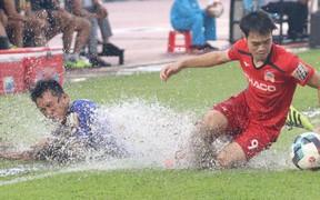 Thua đậm 0-3 trước Bình Dương, đội bóng của Xuân Trường chỉ còn cách vị trí cuối bảng đúng 3 điểm