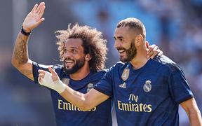 """Đương kim Quả bóng vàng """"chơi khó"""" đồng đội nhưng Real vẫn thắng tưng bừng nhờ 2 siêu phẩm khiến người xem phải trầm trồ"""
