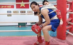Bà mẹ trẻ Việt gây sốc khi hạ gục nhà vô địch Trung Quốc ngay trên đất bạn, tạo ra điều chưa từng có cho thể thao Việt Nam