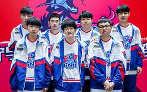 """Fan quốc tế phấn khích sau chiến thắng trước IG của LNG Esports: """"Trận đấu này chẳng khác nào sân khấu của Sofm"""""""
