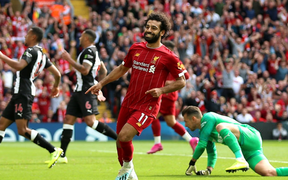 Gạt bỏ hục hặc, cặp đôi Salah - Mane tỏa sáng giúp Liverpool ngược dòng đánh bại Newcastle để tiếp tục bay cao trên ngôi đầu Ngoại hạng Anh