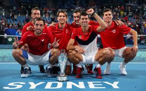 """Hạ đẹp Nadal, Djokovic giúp tuyển Serbia vô địch """"World Cup quần vợt"""""""