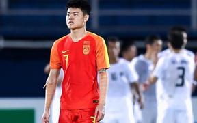 Sau khi đội nhà bị loại sớm, báo Trung Quốc thi nhau kể tội cầu thủ trước khi cay đắng thừa nhận: Chúng ta một bàn cũng chẳng ghi nổi đâu