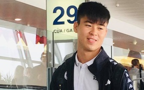 Duy Mạnh tạm biệt Quỳnh Anh, lên sân bay đi Malaysia sau lễ ăn hỏi hoành tráng
