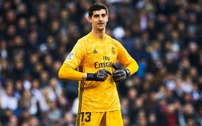 """Thủ môn từng bị gắn mác """"thảm họa"""" giúp Real Madrid đạt thống kê không thể tin nổi để vượt qua Barcelona tại La Liga"""