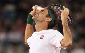 """Tin buồn cho các fan của Federer: """"Chàng móm"""" buộc phải bỏ lỡ hàng loạt giải đấu lớn"""