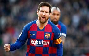 Sau mạch tịt ngòi dài nhất suốt 6 năm qua, Messi bùng nổ với 4 bàn thắng để đạt cột mốc vô tiền khoáng hậu trong lịch sử bóng đá thế giới