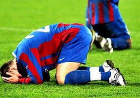 Những cầu thủ có nhiều bàn phản lưới nhất lịch sử bóng đá