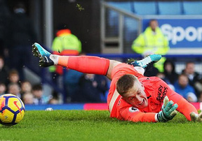 Thủ môn khiến các chân sút Chelsea bất lực lọt top cứu thua vòng 12 Ngoại hạnh Anh