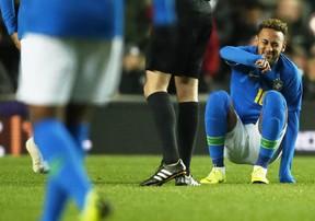 Neymar và Mbappe đồng loạt gặp chấn thương sau trận giao hữu