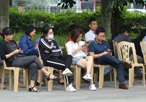 Sốt vé online trận Việt Nam - Malaysia tại AFF Cup 2018
