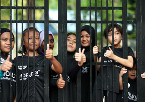 CĐV nhí Malaysia trêu chọc ĐT Việt Nam trong buổi tập ngày 9/12