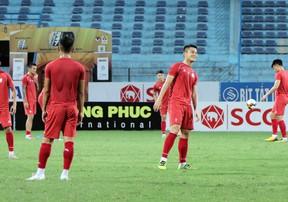 Tp. Hồ Chí Minh tươi cười tập luyện trước cuộc trạm chán Hà Nội FC
