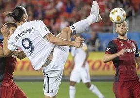 Siêu phẩm của Zlatan Ibrahimovic lọt top 10 ứng viên ghi bàn ấn tượng nhất năm 2019