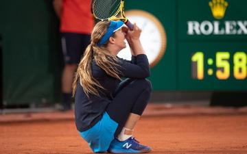 Nữ tay vợt tức giận mắng mỏ và yêu cầu bạn trai đổi chỗ ngồi ở Roland Garros