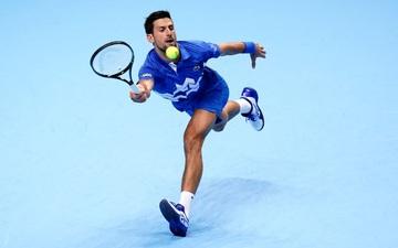 """Djokovic lại khiến fan trầm trồ với cú bắt volley cực """"đỉnh"""" trong trận ra quân ATP Finals"""