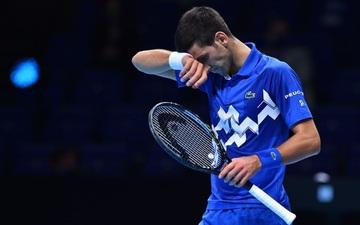"""Djokovic bị đẩy vào trận chiến """"một mất một còn"""" ở ATP Finals sau thất bại bất ngờ"""