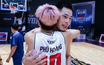 Thang Long Warriors vỡ oà cảm xúc khi trở lại chung kết VBA sau 2 năm vắng bóng