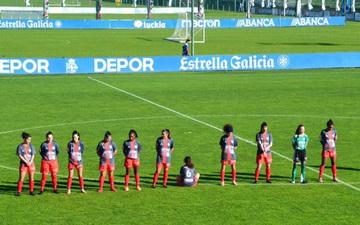 Nữ cầu thủ quay lưng ngồi khi các đồng đội tri ân huyền thoại Diego Maradona, lời giải thích sau đó của cô gái trẻ khiến nhiều người suy nghĩ