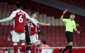 Thierry Henry tắt tivi khi thấy đội trưởng hiện tại của Arsenal