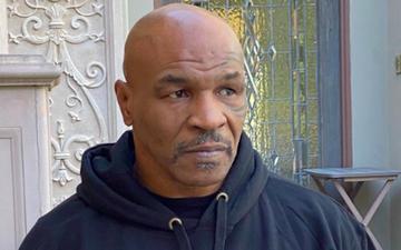 Mike Tyson bị tấn công ngay sau trận đấu với Roy Jones Jr.