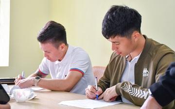 Quang Hải học cùng lúc hai đại học, tiếp tục được nhận học bổng