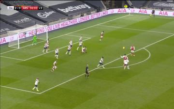 Fan Arsenal bất bình với tình huống chơi tiểu xảo nguy hiểm của Harry Kane